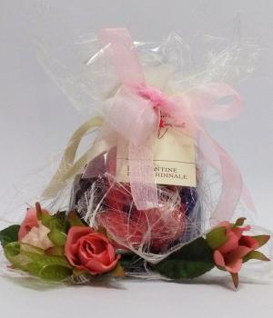 Favor communion with typical products: sour cherry chocolates
