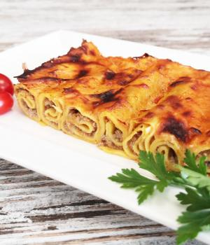 Cannelloni rossi di carne - Rosticceria Mirella