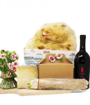 Pitino box gourmet for 4 people aperitif walk in the countryside for picnics